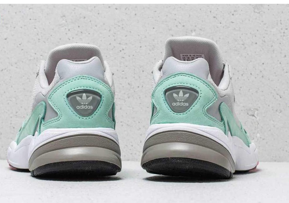 کفش مخصوص دویدن زنانه آدیداس مدل Falcon W