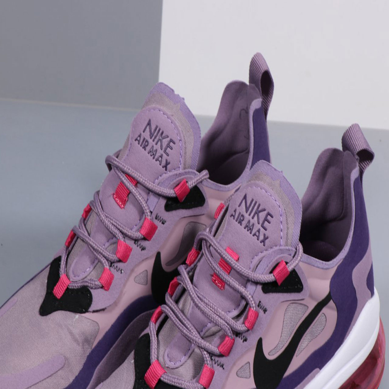 کفش دویدن زنانه نایکی مدل Air Max 270 React